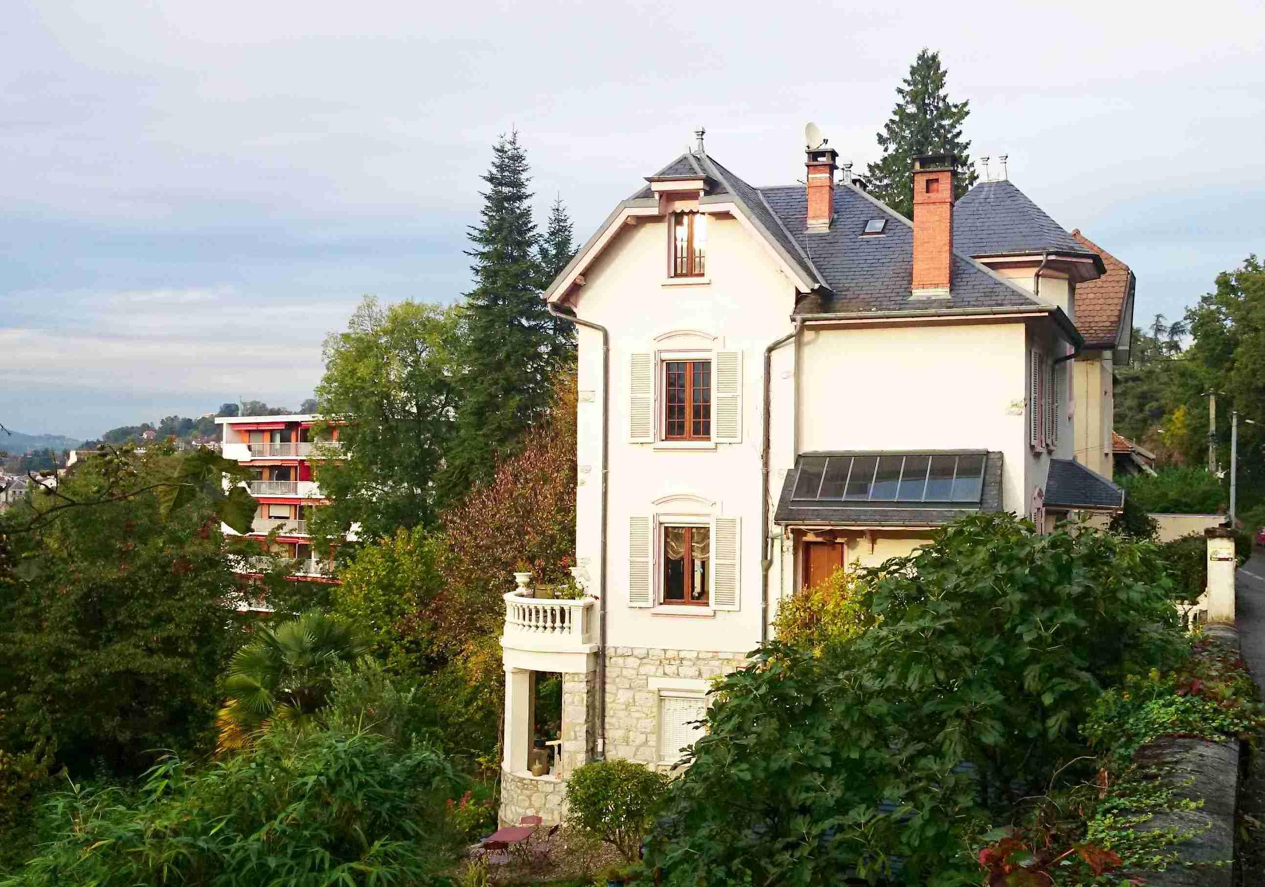 """Die Villa """"Clair de Lune"""" wird zum Refugium der Sperati-Familie. Bildvorlage: Michael Burzan"""